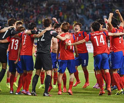 Asian Games: South Korea beat North to win soccer gold