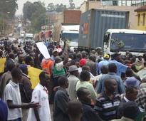 Farmers demonstrate over fertilizer delays