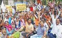 Lajpat Nagar street vendors protest against eviction