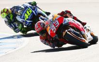 Marquez closes in on MotoGP title