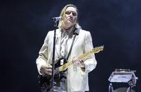 Arcade Fire Pays Tribute to David Bowie & Says Trump Will 'F---ing Never, Ever' Be President at Panorama 2016