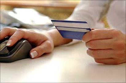 RBI proposes to waive transactions charges, cut interest rate for credit cards