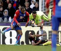 Pep Guardiola heaps praise on goalkeeper Claudio Bravo