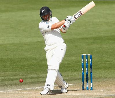 Taylor sparkles as New Zealand dominate against Zimbabwe