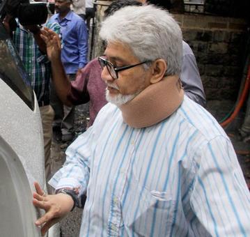 War over Bal Thackeray's will: Aishwarya 'not my son', Jaidev tells court