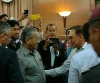 Dr M-Anwar meeting a desperate political ploy, says DPM