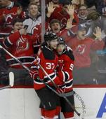 Zajac gets 2 late goals to lift Devils over Coyotes 5-3 (Yahoo Sports)