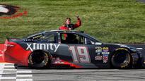 Bump video: Carl Edwards bumps JGR Toyota teammate Kyle Busch for NASCAR Cup win at Richmond