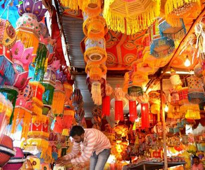 Indians likely to spend less this Diwali due to DeMo, GST: Survey