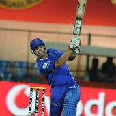 Live! IPL 6: Binny takes out Hussey; CSK 84/1