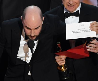 Academy 'deeply regrets' Oscars best film award fiasco