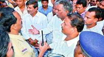 Mudragada Padmanabham seeks assurance on probe in Tuni arson case