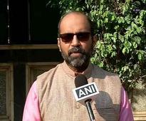 Defence experts hail PM Modi's 'pleasant move' to visit Pak