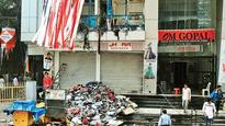 Garment showroom in Dadar mall gutted
