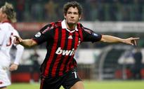 Pato Left to Wait After Agreeing Chelsea Move