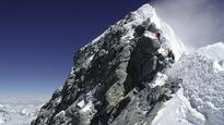 Claims couple 'faked' climbing Mount Everest