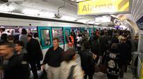 Alert in Paris as knifeman attacks metro riders at random