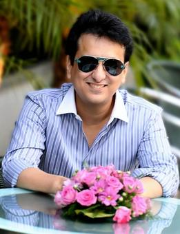 Sajid Nadiadwala ropes in Farhad for his next directorial venture