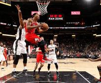 Spurs tame Bulls 109-101 to stay hot at home
