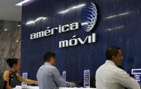 AMERICA MOVIL SAB DE CV : meeting approves 12 billion peso share purchase fund