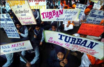 US allows turbans, hijabs, beards in military