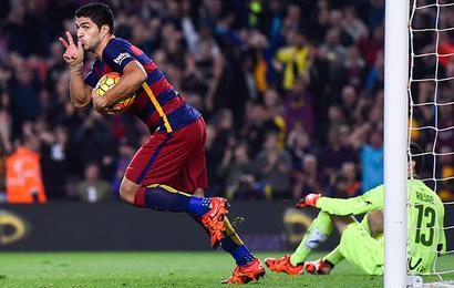 Suarez agrees new contract with Barcelona to 2021