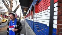 Melbourne pubs go tri-colour to support Doggies
