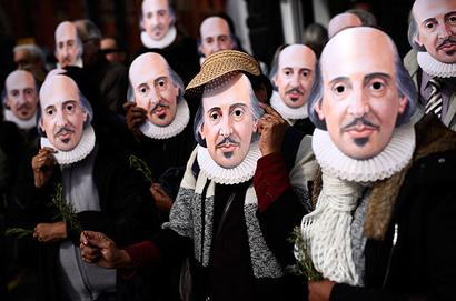 Shakespeare was gay, wrote sonnets for men: Top UK director