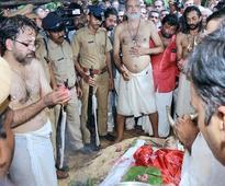 State bids tearful adieu to Kavalam