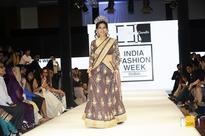 The gorgeous Mrs. Earth 2016 Priyanka Khurana Goyal walks the ramp at India Fashion Week Dubai