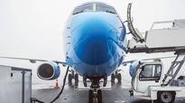 Airfares fail to drop even as fuel prices plummet
