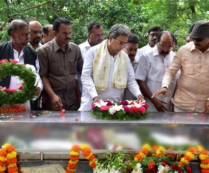 Gauri Lankesh laid to rest with state honours