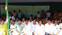 Odisha ruling BJD submits memorandum to Governor addressed to President Pranab Mukherjee