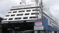 Damage indicates cruise ship 'hit rocks'