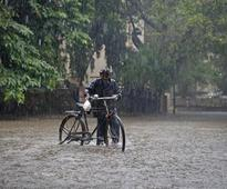 Monsoon floods kill scores in India