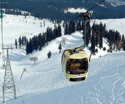5 tourists killed as cable car tower collapses in Gulmarg