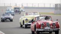 Vintage car rally at Greater Noida brings enthusiasts together