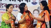 Mayor ropes in actress Suchitra Bandekar to woo Marathi voters