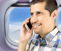 Feds want airlines to decide whether to allow in-flight phone calls