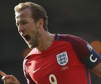 World Cup qualifiers: Harry Kane equalises in stoppage-time to deny Scotland win over England