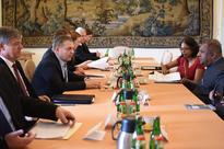 Foreign Minister commits to strengthening relations with Czech Republic