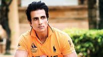 Sonu Sood arranges for a cricket pitch