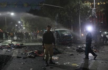 30 arrested in connection with Lahore suicide attack