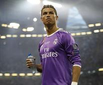 La Liga: Zinedine Zidane calls Cristiano Ronaldo amid exit rumours, asks him to stay at Real Madrid