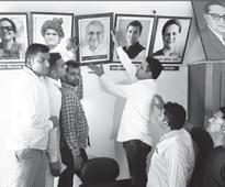 Hooda pics removed from Congress office