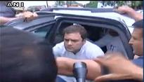 Rahul Gandhi greeted by anganwadi workers protest in Gauriganj