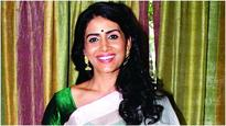 Sonali Kulkarni supports breast cancer awareness