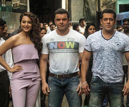 PIX: Salman, Sohail on Sonakshi's Nach Baliye