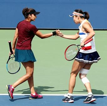 Sania and China's Peng enter US Open semis