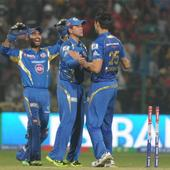 Live! IPL 6: Chawla strikes again, gets Sharma out; MI 83/5